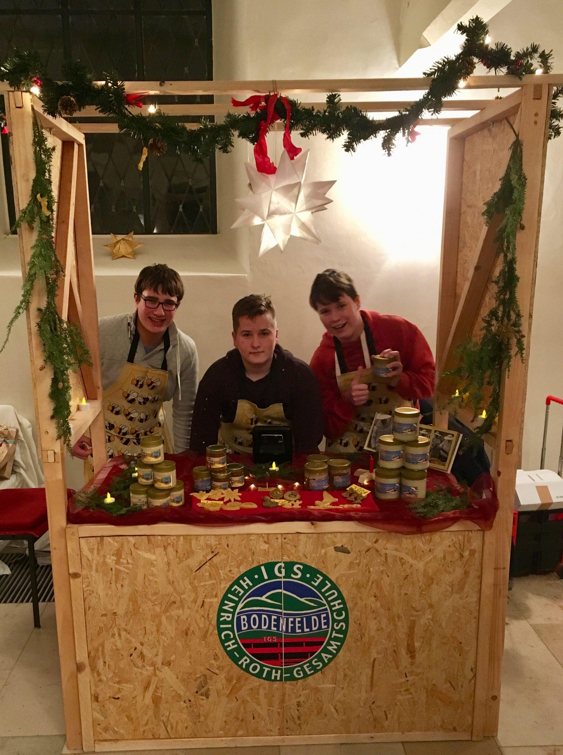 Honig-Verkauf auf dem Weihnachtsmarkt von Bodenfelde
